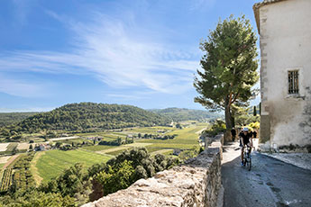 Cycling holiday in provence